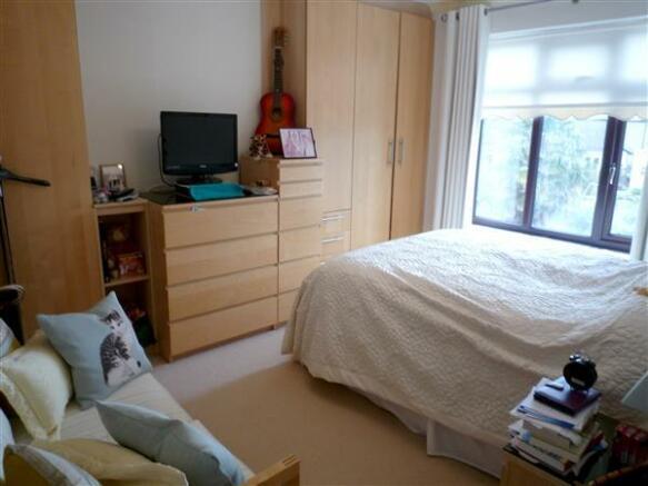 BEDROOM 2 (Rear):