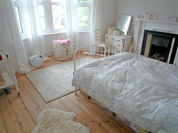 BEDROOM 1 (Front):
