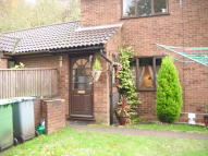 2 bed Ground Flat in Bishops Close...