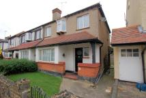 3 bedroom semi detached property to rent in Olive Avenue...