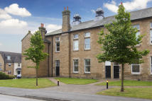 2 bedroom Apartment to rent in MENSTON