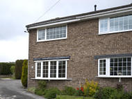 End of Terrace property to rent in IDLE