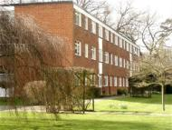 2 bedroom Flat to rent in Sollershott Hall, Herts