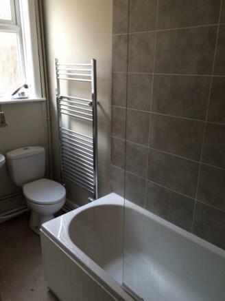 Gr. Fl. bathroom