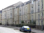 Flat in HOPETOUN CRESCENT...