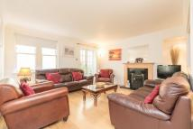3 bedroom Flat to rent in ALBANY STREET...