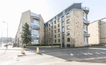3 bed Flat to rent in EAST LONDON STREET...