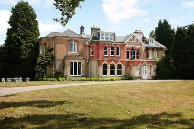 6 Bedroom Detached House For Sale In Turners Hill Road Crawley