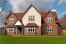 5 bed new property in Haywards Heath Road...