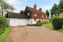 4 bedroom Detached property in Splaynes Green, Uckfield...