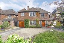 5 bed Detached house in West Common Drive...