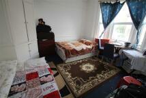Studio apartment to rent in Pinner Road, Harrow...