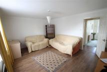 2 bed Flat for sale in West Drayton