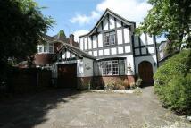 4 bedroom Detached house for sale in Hillingdon, Middlesex