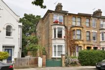 1 bedroom Flat in Fairmead Road, London...