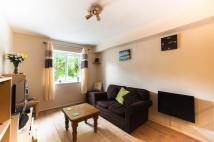 Flat in Millstream Close...