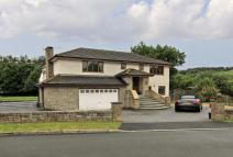 Detached home in Grove Parc...