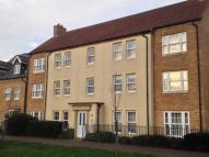 Flat to rent in Kings Avenue, Ely...