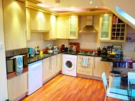 Flat to rent in Alexandra Road, London...