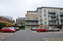 Flat to rent in Hibernia Road, Hounslow...