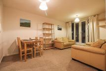 Flat to rent in Streatham High Road...