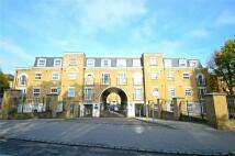 2 bedroom Apartment in Addiscombe Road, Croydon...