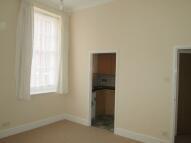 1 bedroom Ground Flat in WELLINGTON COURT...