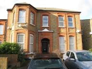 2 bed Flat in Eastwood Road, Goodmayes...