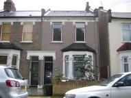 Flat to rent in Stanley Road, Ilford