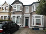 1 bedroom Flat in Cavendish Gardens, Ilford