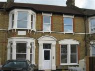 Flat to rent in Melbourne Road, Ilford