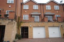 4 bedroom Apartment in Stanton Avenue West...