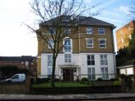 1 bedroom Flat to rent in Manor Lodge...