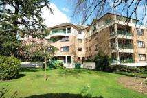 3 bedroom Penthouse in High Road, Bushey Heath...
