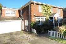 5 bed Detached property in Grantham Close, Edgware...