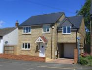 4 bedroom Detached home in Coate Lane, Swindon...