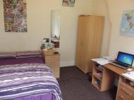 Flat to rent in Watling Street Road...