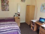Flat to rent in Watling Street Road...