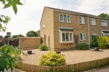 4 bed semi detached home in Waterfield Close...
