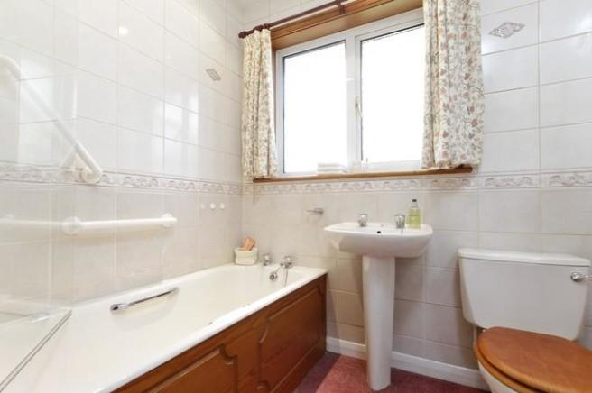 4671_Bathroom.jpg