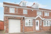 5 bedroom semi detached home in Hawthorne Avenue, Batley