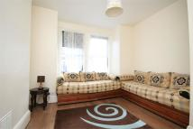 Flat to rent in Oldfield Road, Willesden...