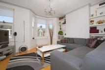3 bed Flat to rent in Osborne Road, Willesden...