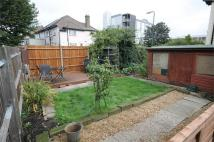2 bedroom Flat in Selbie Avenue, Willesden...