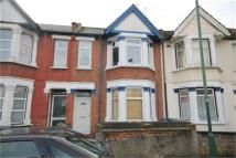 2 bed Maisonette to rent in Oldfield Road, Willesden...