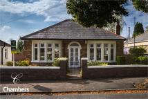 2 bed Detached Bungalow in Manor Rise, Whitchurch...