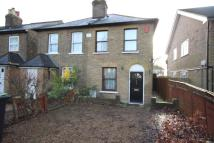 3 bedroom semi detached house in London, N14