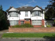 6 bed Detached house to rent in Winchmore Hill, N21