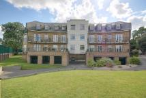 Flat for sale in Enfield, EN1