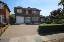 5 bedroom Detached home in Lonsdale Drive, Enfield...